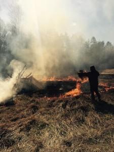 Påskbrasa och gräsbränning
